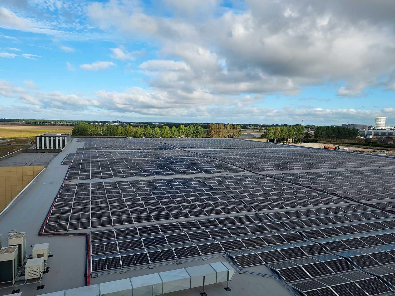 Luchthaven Schiphol-Industrie-MR Solar-Zonnepanelen-In de Kijker